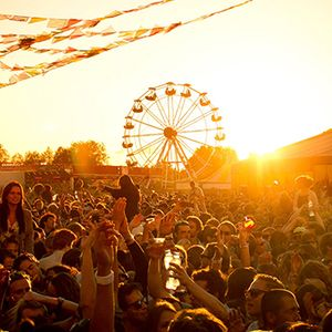 Deephouse summer mix for those boiling hot summer nights. Sit back and relax!