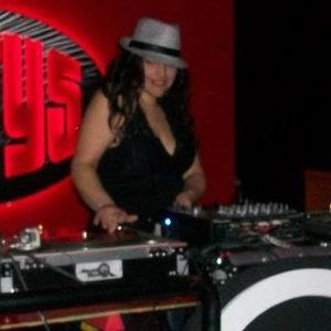 MIXTRESS MORNINGSTAR LIVE FROM OPA