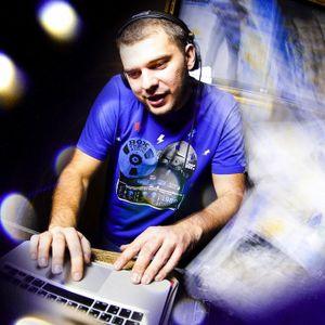 Sky Cafe RadioShow - SC061 - 23-02-2011 @ Ilya Malyuev - DJStation.ru [98.8 FM]
