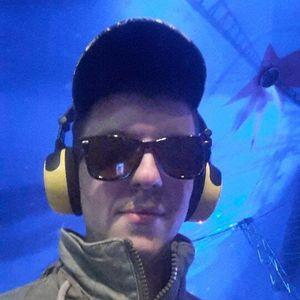 Dj Maxewelle - Megamix Show Pres. Spécial Jean Michel Jarre - Uturnradio.com