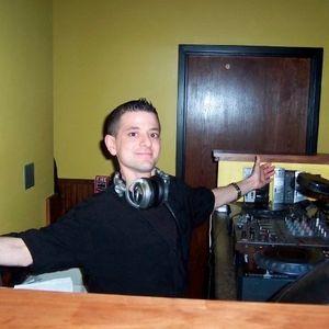 DJ MINI ME - HEART PUMPIN....