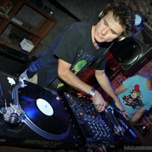 MORU [nRg Division] - LET's Go TECHNO Live Set 4.05.2012