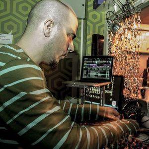 Ruben L. Pinto - Livingroom Kontrol