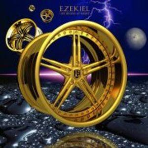 `Housey side of´ DJ mix by Ezekiel