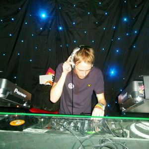 Zac Greenwood - Worx DJ Comp Mix FEB 2009