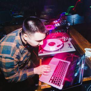 DJ ISAK