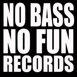 CHANDA NGOI Studio Mix - Ain't No Funny Without No Bass