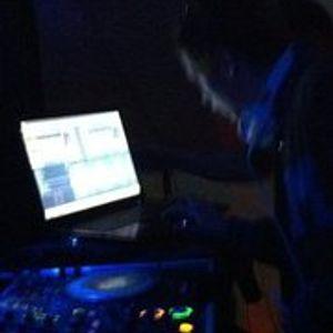 Sneeky Sounds - October 10MinMix 2011