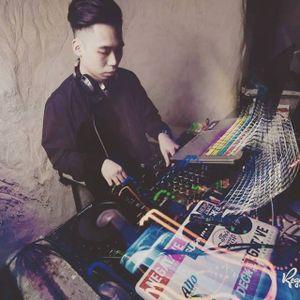 DJ A-Wee(Kpop Mixtape)