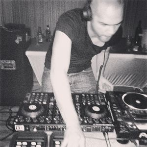 Sean Espo - Infused Sounds with Leon Blaq on Technohouse.fm