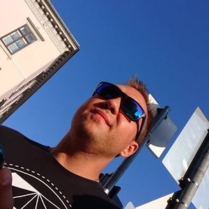 Erdy - mix in Oktober 2011 (Tech-House)