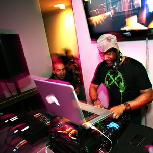 DJFoxx Live From The Mayfair Pool Party 4th Of July Weekend..mp3