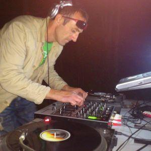 DJCATCH AND DJ MELLOR-D B2B OLDSKOOL JUNGLE SET QBASE 87.9FM 28 AUG 2011