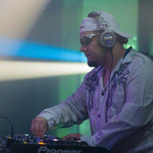 DJ Luna Live on 88.5 FM WMNF 3-24-2011 Part 2