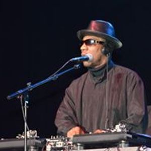 Derwyn Wilson/ THE ORIGINAL DJ Artwork Image