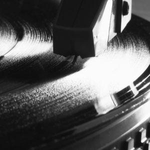 TRICKY kICKZ  BY  DJ KIKZ