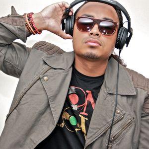 DJ Mozes - 90s Throwback Mix