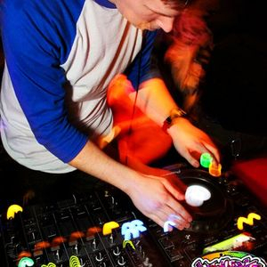 Robby Keen's Back to Bassline May 2012