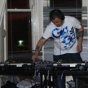 dj-crg007 hardstyle mix 2 april 2011