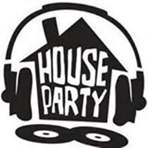 Houseparty 2015 Week 8