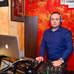 EduardB - Evolution (Techno Sound) - Radio USV 02.11.2011