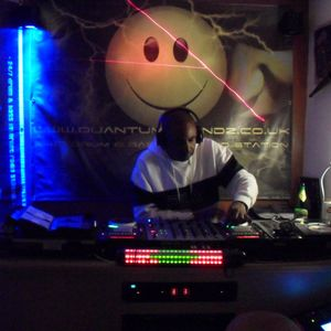 Dj Mo-Ge (25.11.11) Audio Recording Show.  No mp3s