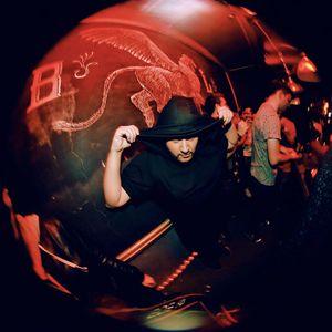 Joseph shake-your-body-down-2011-03-18