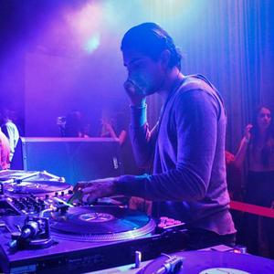 DJ Don Juan Live @ The Den - Royal Flush Mix - Juan Vargas