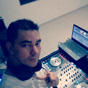DJ ALLYSON PLAY SET SHOW 2012
