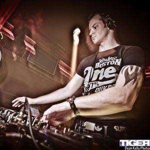 Damien C Live from Tigerlillys 2012