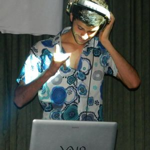 Mix with hits of Verano 2012