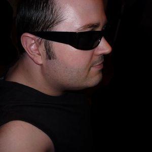 Snake_Sedrick_a.k.a._Son-Tec_-_Live_@_Club_Bakar_Mistique_Party_2011_November