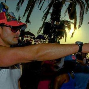 CIRCOTHEQUE  SUMMER 2011( TECH HOUSE) VOL33-2011@DJ SET LIVE BY DEEJAY SED-X