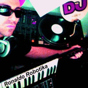 (**CLASIX**) Ronaldo Robotika - The Cyber Sessions 30.07.05 - First Hour