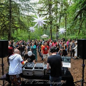 Cascadia 2016 River Stage Set
