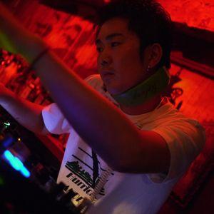 Mix of 4/4 kicks Music by DJ 610244