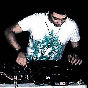 iL MaFioZo-Drunk On A miXer @back2earth radio MAVRECK's celebration