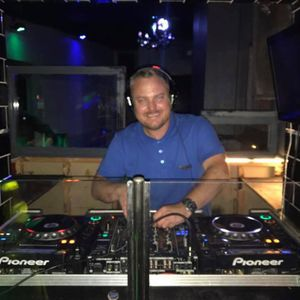 DJ Dave Bolton (The Elektrosexuals) Summers Here Right Now Mix