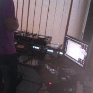 Donatas Nachimovas first dj playing without headphones