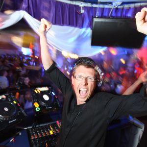 Mark Wilkinson Summer 2017 DJ Mix Volume Boost