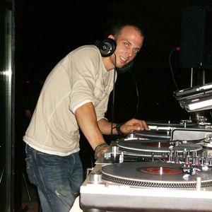 Liveset from Vespa Bar Liberty Village Toronto mixed by dj gabez 05-20-2012 week 7