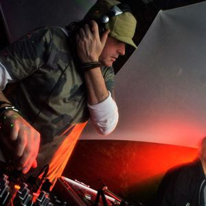 Creature Craig - Progresive Tribal Techy House or what ever you want to call it Mix 130bpm Sept 2012