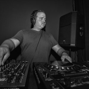 MParks. @ Confrontational - Vinyl Techno Mix