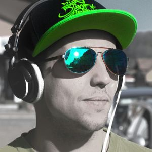 DJ Specializt - Put your Handz Up! Vol. 3