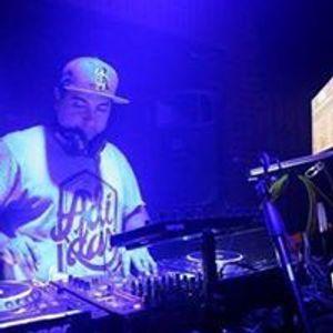 TECHOUSE TIMBALES VOCALES LATINOS Y VINO . JORGE ARRAÑO DJ FILO