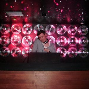 Kenny Campbell The Sound of a Tech House Summer