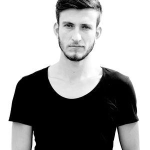 Sezer Uysal - Dark Pleasure Sessions @ Radio FG 93.7 (19.04.2012)