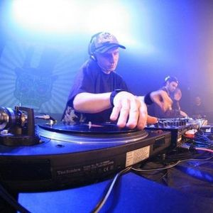 magnetic & hypo mc (chill session in da week)