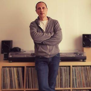 Gilbert van Haasen live from record store Rhythm Import for ProTechnive radio
