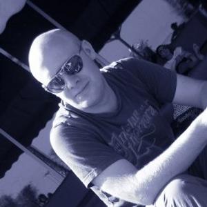 Alex Metric Essential Mix 2011
